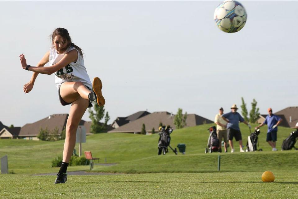 Footgolf bisa dimainkan pria ataupun wanita