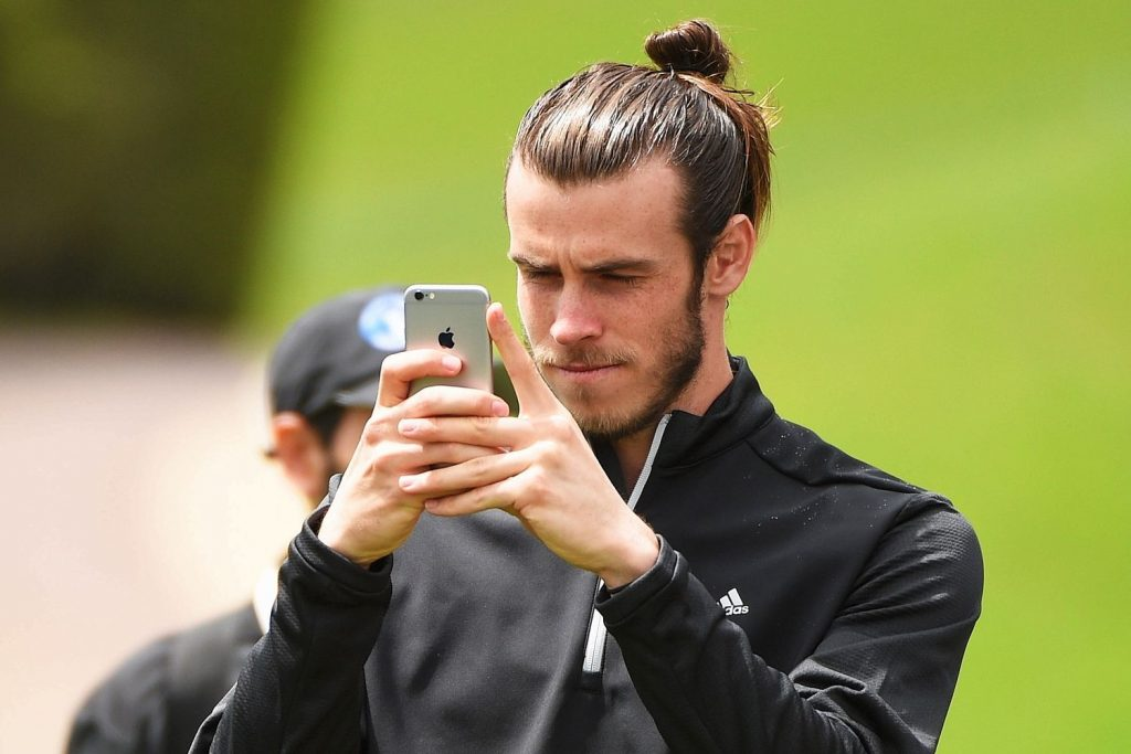 Gareth Bale ternyata juga menyukai olahraga golf