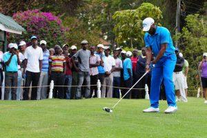 Tips melakukan pukulan golf dari Okocha